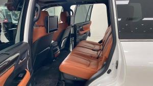 Bán Lexus LX570, sản xuất 2016, đăng ký 2018, xe đi cực ít,siêu mới.