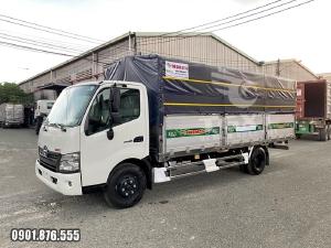 Hino XZU730L thùng dài 5m6 trả trước 10-20% giao xe ngay