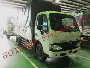 HINO XZU650 Thùng mui bạt 1,9 tấn mới 100%