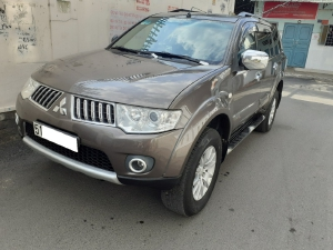 Gia đình cần bán xe Pajero 2012, số sàn, máy dầu, 2 cầu, bản full, màu xám