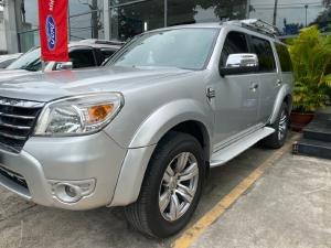 Cần bán Everest Limited 7 chỗ số tự động đời 2009 màu bạc