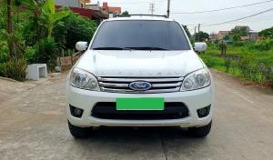 Gia đình bán Ford Escape 2009 XLS, số tự động, màu trắng