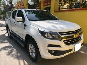 Nhà cần bán xe Chevrolet Colorado LT 2017 máy dầu, số sàn, 2 cầu điện, màu trắng nhập Thái Lan