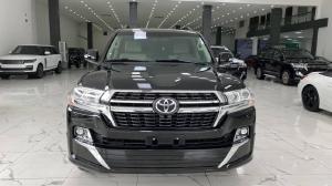 Bán Toyota Land Cruiser sản xuất 2016,1 chủ từ đầu, lăn bánh 30.000Km.