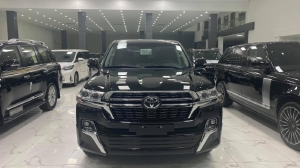 Bán Toyota Land Cruiser 4.6 mới 100%, Model 2021, xe giao ngay.