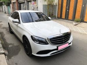 Mercedes C200 Exclusive 2020, màu trắng mới như xe hãng