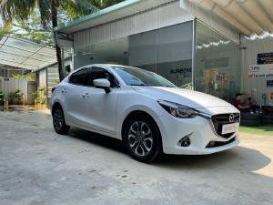 Cần bán xe Mazda 2 sản xuất 2019 bản Full màu trắng