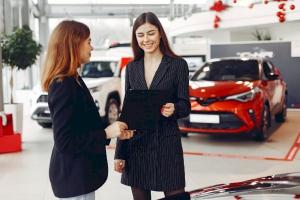 Làm gì khi đại lý ô tô hủy cọc, tăng giá đột xuất?