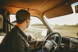 Những yếu tố gây xao nhãng dễ dẫn đến tai nạn khi lái ô tô