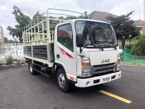 Xe tải JAC N200 thùng dài 4m3,giá rẻ tại Bình Dương