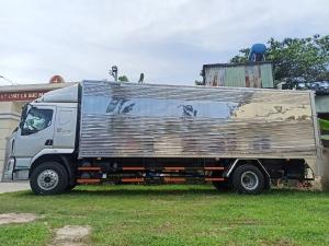 Xe CHENGLONG C180 nhập khẩu 2021, tải 8 tấn, thùng siêu dài 10m