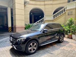 Bán Mercedes GLC 250 màu đen, sản xuất 2017, xe đi cực ít, siêu mới.