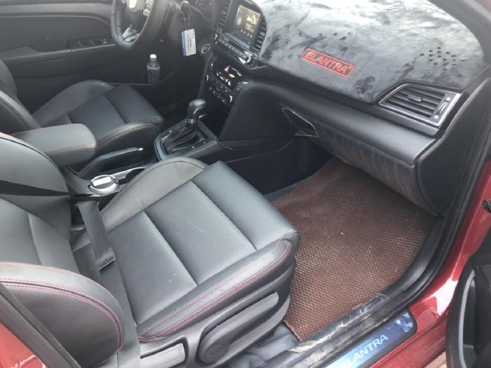 Bán Hyundai Elantra Sport 1.6AT Turbo màu đỏ số tự động sản xuất 2018 đi 6000km 2