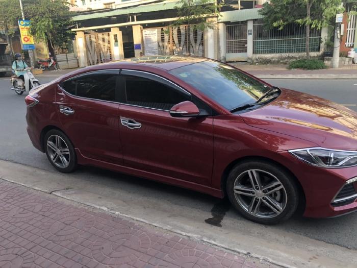 Bán Hyundai Elantra Sport 1.6AT Turbo màu đỏ số tự động sản xuất 2018 đi 6000km 1