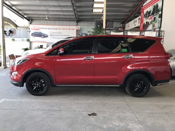 Bán xe Venturer 2019 màu đỏ rực chạy 17.000 quá xá đẹp 6