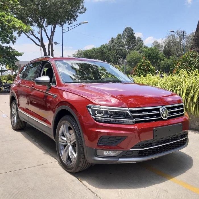 🔥🚘🔥 Cần bán xe Volkswagen Tiguan Allspace, màu Đỏ,xe Đức nhập khẩu chính hãng 🔥🚘🔥 Đang Tặng Trước Bạ 173tr 🎁🎁 0