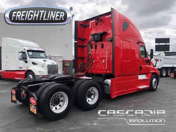 Xe đầu kéo Mỹ FREIGHTLINER 2