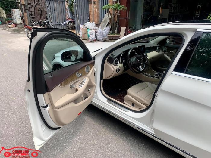 Xe Chính Chủ bán Mercedes C250 Exclusive 2017 màu trắng nội thất kem sang trảnh và lịch lãm, giá tốt 4