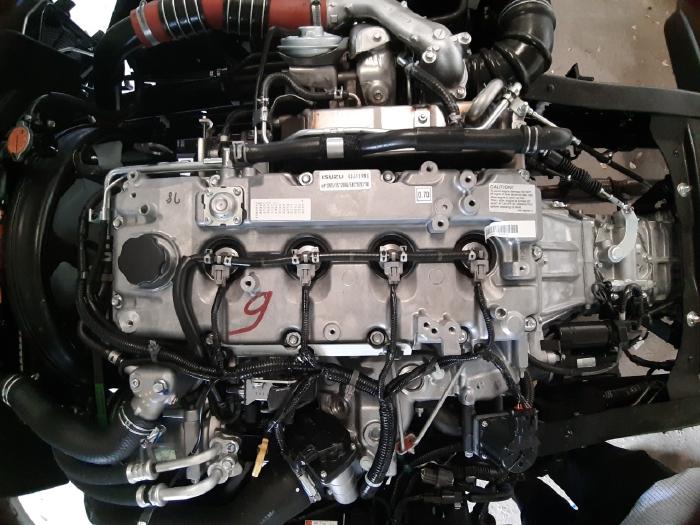 Động cơ isuzu QKR 270