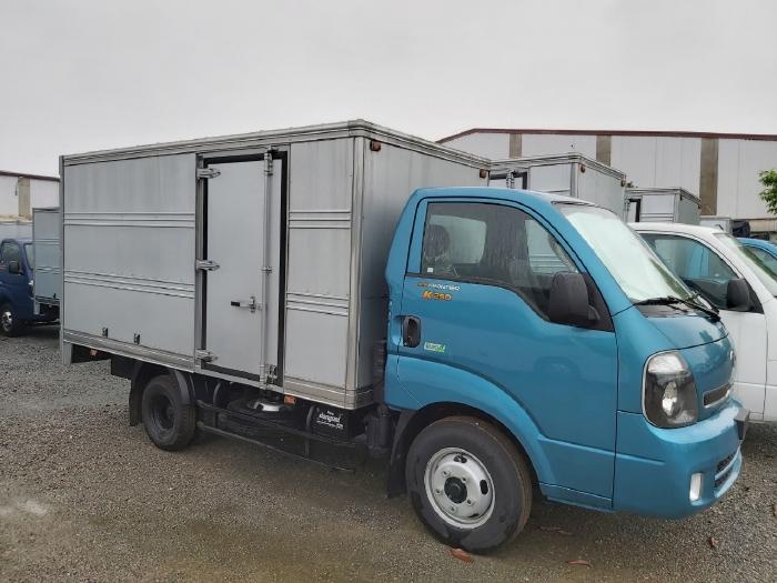 Xe tải  kia 2,5 tấn thùng kín