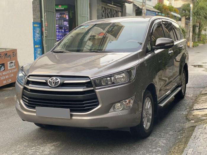 ần bán Toyota Innova 2018 số sàn màu nâu rất đẹp 9