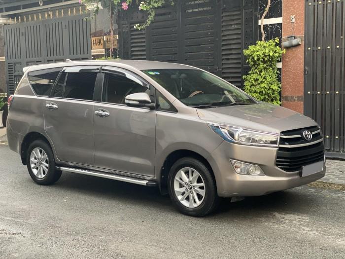 ần bán Toyota Innova 2018 số sàn màu nâu rất đẹp 6