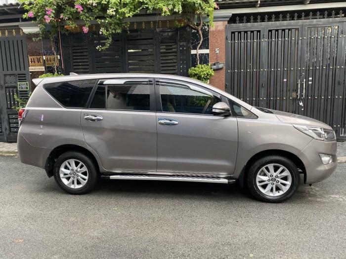ần bán Toyota Innova 2018 số sàn màu nâu rất đẹp 12