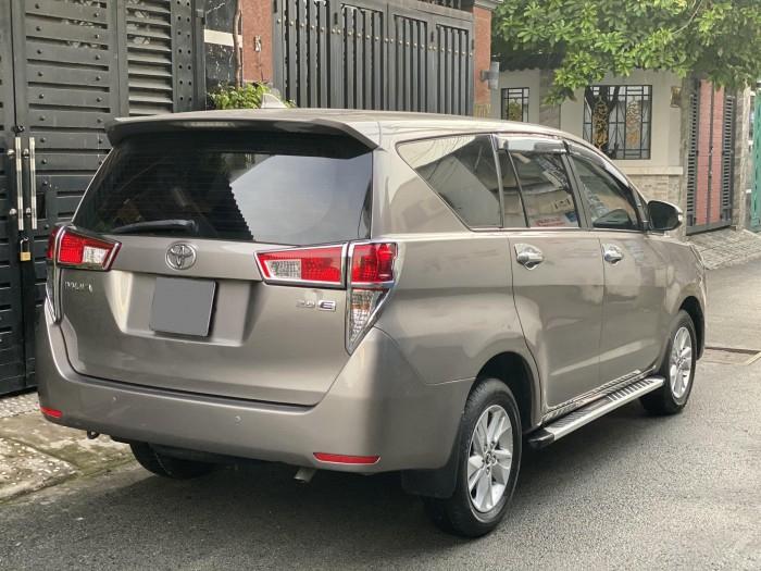 ần bán Toyota Innova 2018 số sàn màu nâu rất đẹp 10