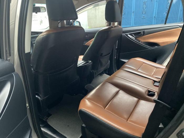 ần bán Toyota Innova 2018 số sàn màu nâu rất đẹp 0