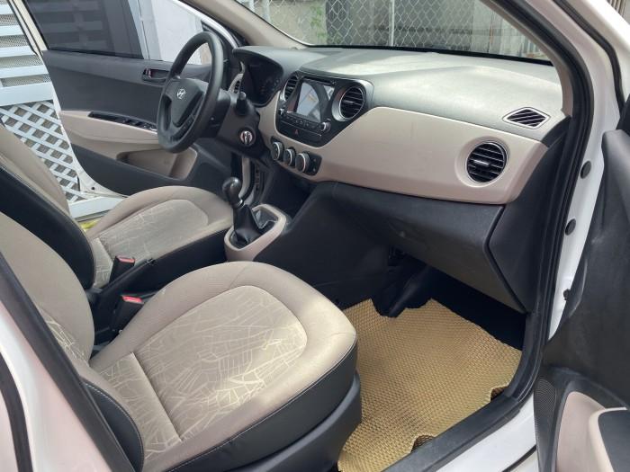 Cần bán xe i10 2017, số sàn, màu trắng tinh ngọc trinh còn mới tinh 1