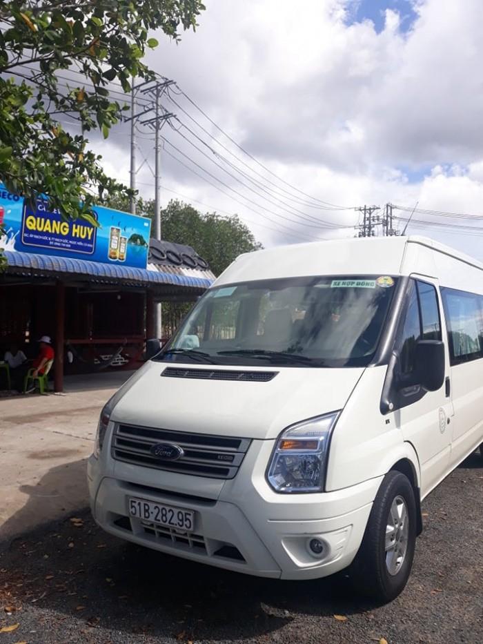 Cho thuê xe du lịch tại TPHCM 1