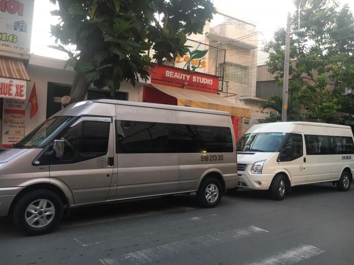 Cho thuê xe du lịch tại TPHCM 8