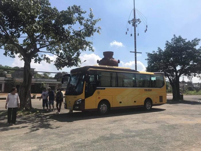 Cho thuê xe du lịch tại TPHCM 7