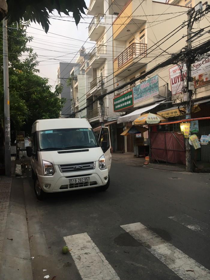 Cho thuê xe du lịch tại TPHCM 13