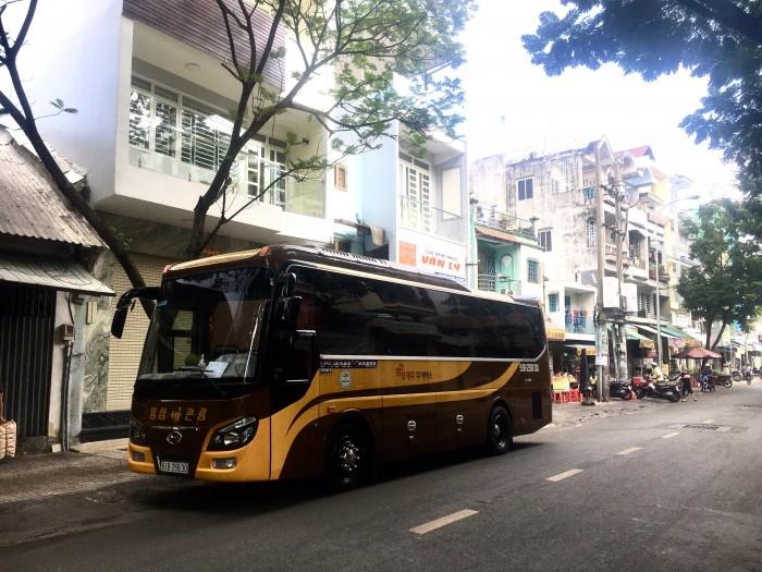 Cho thuê xe du lịch tại TPHCM 12