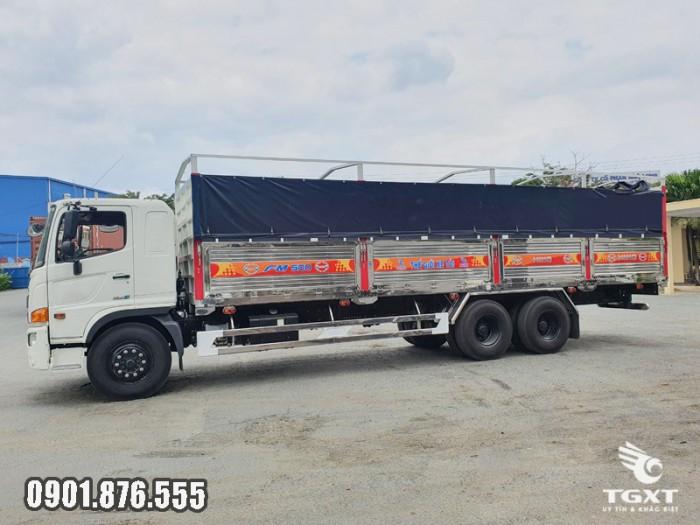 Xe tải Hino FM thùng bạt giá cạnh tranh giao xe nhanh 1