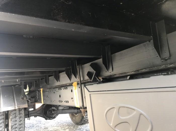 cần bán xe tải hd120sl đời 2017 tải 8t thùng dài 6m3 giá tốt có hỗ trợ góp 1
