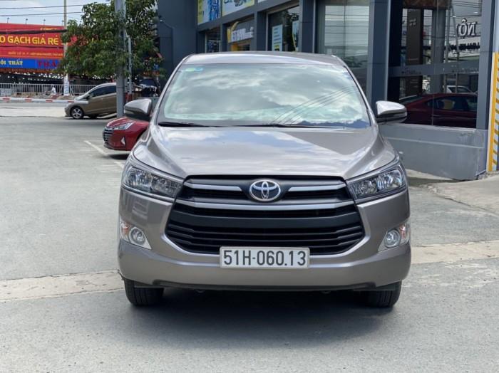 Toyota innova E 2.0MT 2019 màu đồng biển SG 2