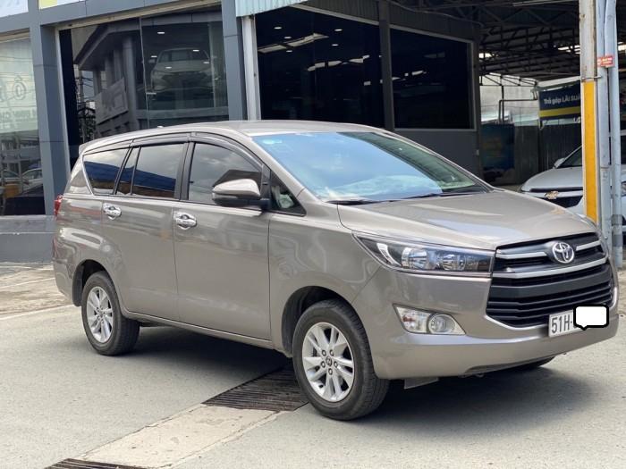 Toyota innova E 2.0MT 2019 màu đồng biển SG 13