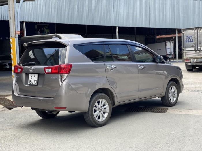 Toyota innova E 2.0MT 2019 màu đồng biển SG 3