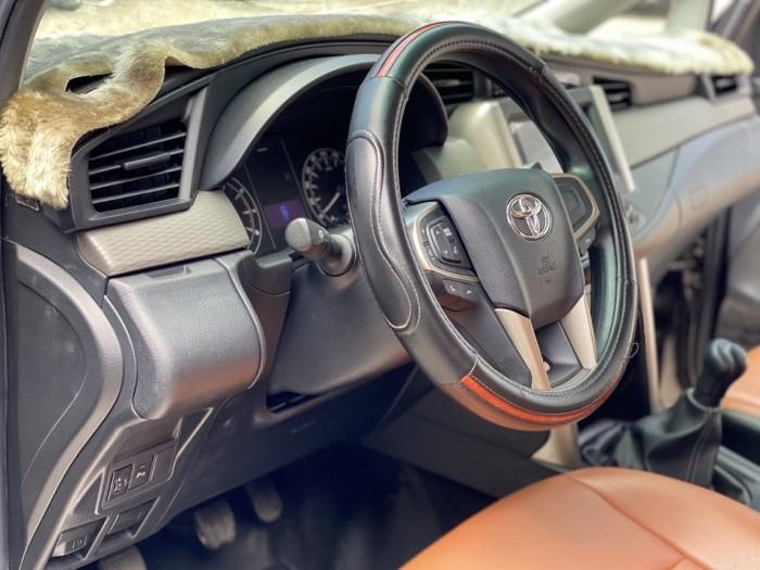 Toyota innova E 2.0MT 2019 màu đồng biển SG 4