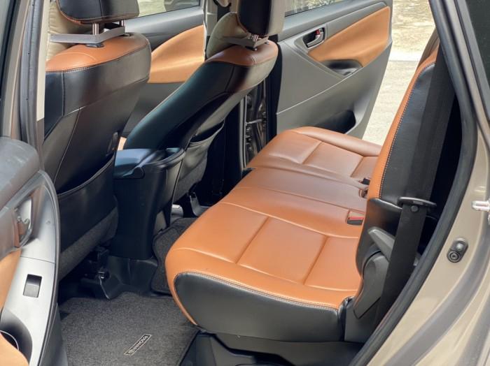 Toyota innova E 2.0MT 2019 màu đồng biển SG 10