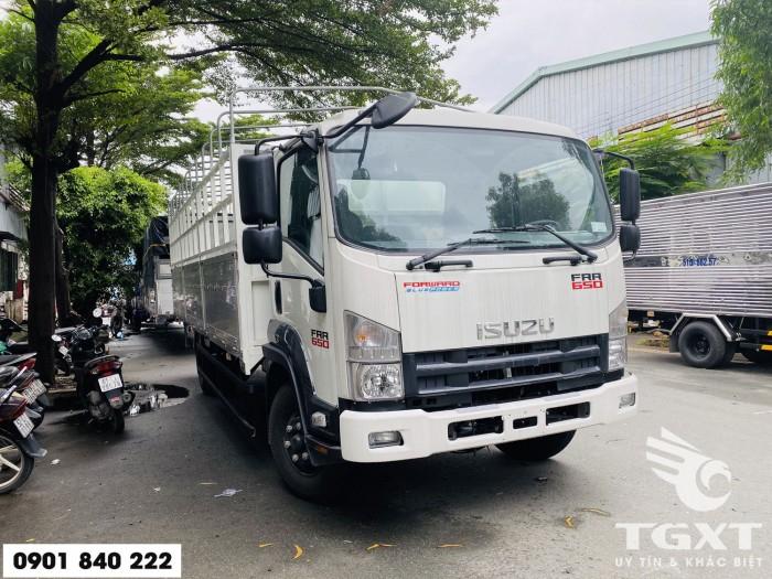 Xe tải Isuzu FRR650 thùng bạt, tải 6T5 thùng 6m7, trả trước 20% 6