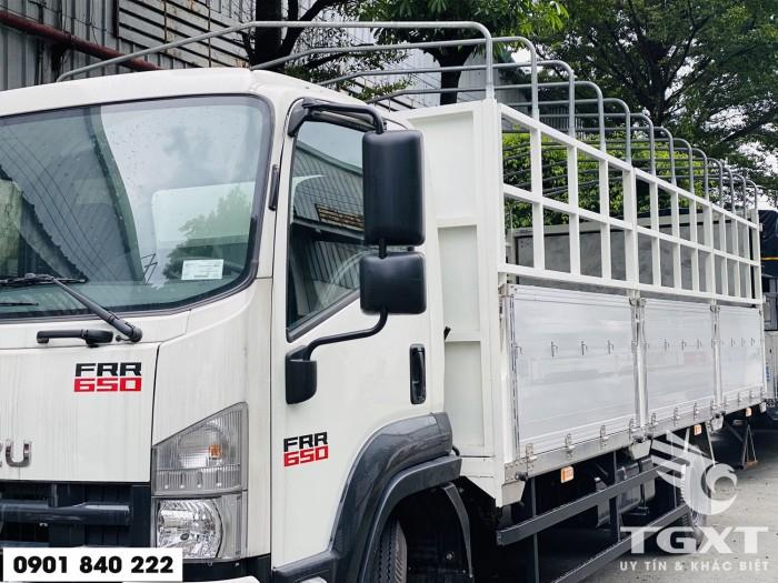 Xe tải Isuzu FRR650 thùng bạt, tải 6T5 thùng 6m7, trả trước 20% 2