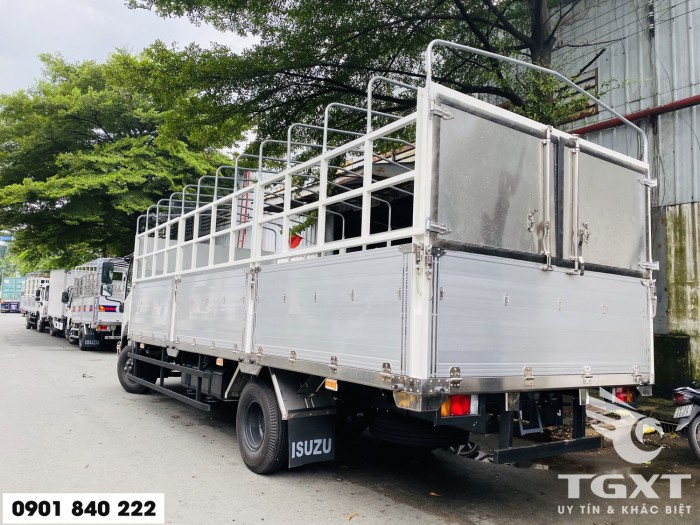 Xe tải Isuzu FRR650 thùng bạt, tải 6T5 thùng 6m7, trả trước 20% 5