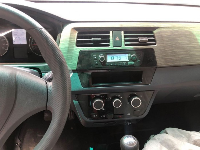 Xe tải van  DONGBEN x30 v5 5 chổ ngồi 2