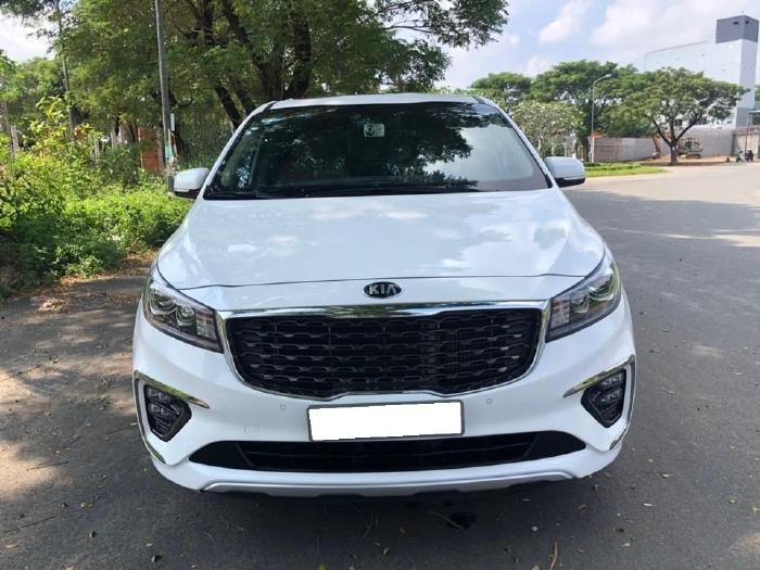 Xe nhà cần bán Kia Sedona  2019, số tự động, máy  dầu, màu trắng,