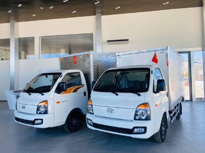 Xe Tải Hyundai New Porter H150 1 Tấn 5 Thùng Dài 3m2 Lọt Lòng Thùng Kín Composite 4