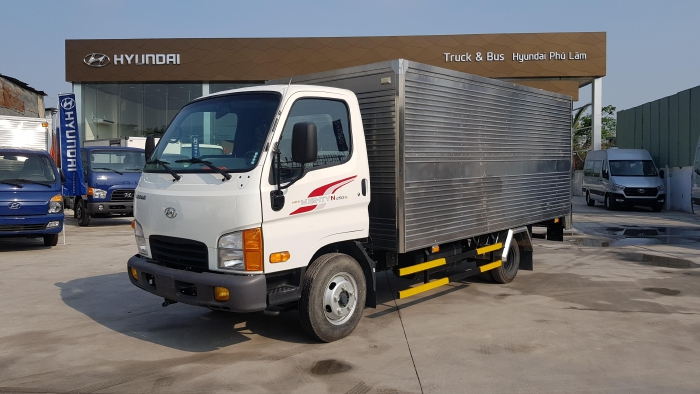Hyundai Mighty N250SL thùng kín INOX