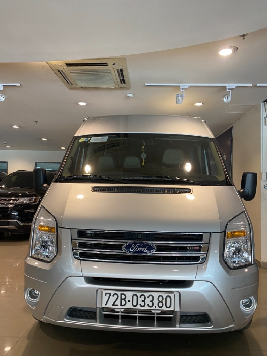 Bán Ford Transit Luxury 2019 Bạc. ODO 16.666 km